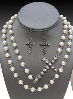 Pearl Beaded Necklace With Rhinestone Side Cross