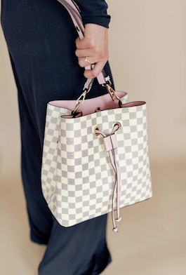 Cream Checkered Bucket Purse With Pink Detail