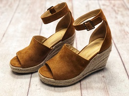 Cognac Wedge With Natural Braided Sole