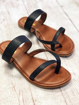 Black Flat Strappy Toe Sandal