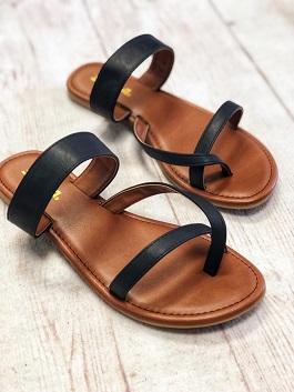 Black Flat Strappy Toe Sandal