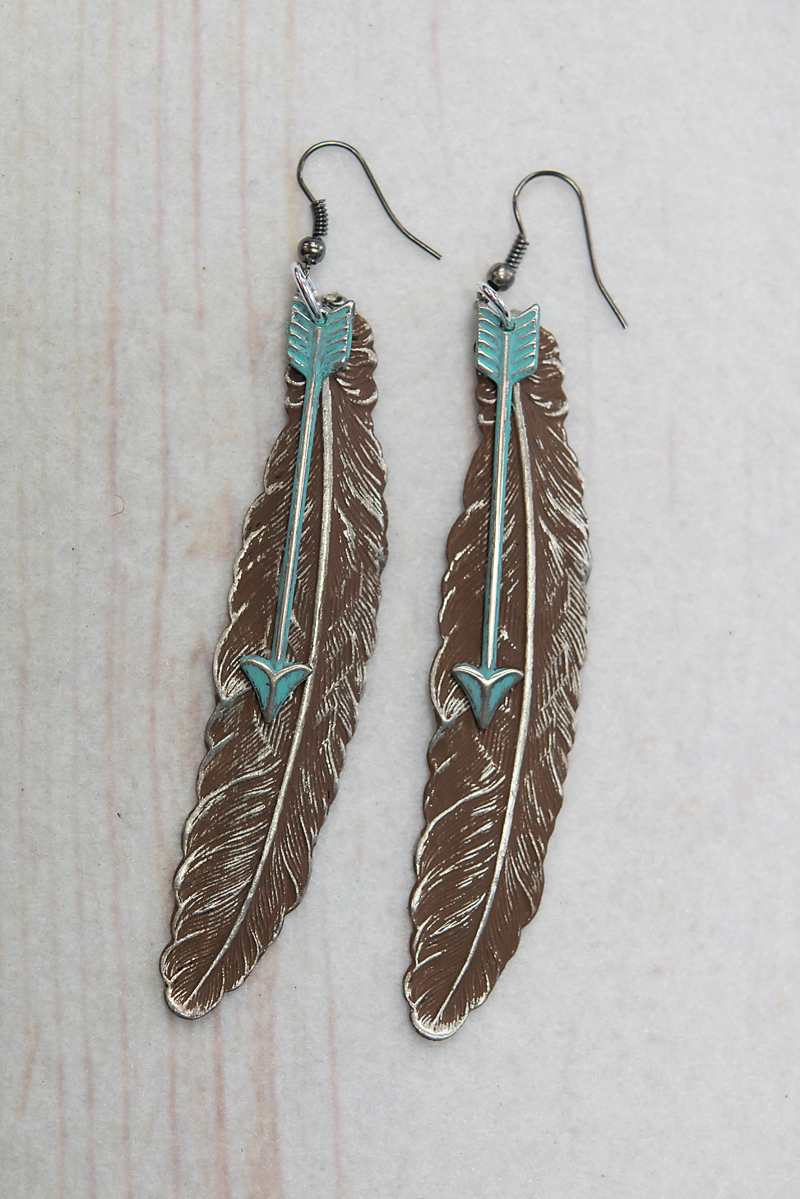 Distressed Brown Feather With Arrow(104E13)