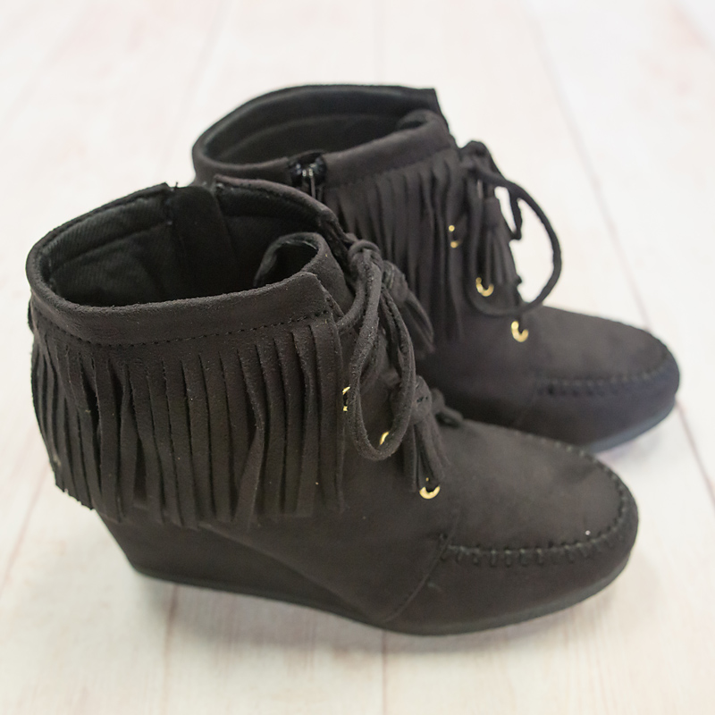 Black Single Layer Fringe Moccasin Bootie