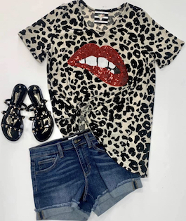 Leopard Lips Short Sleeve Top