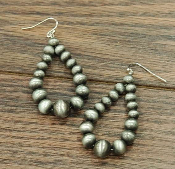 Graduated Tear Drop Navajo Pearl Earring